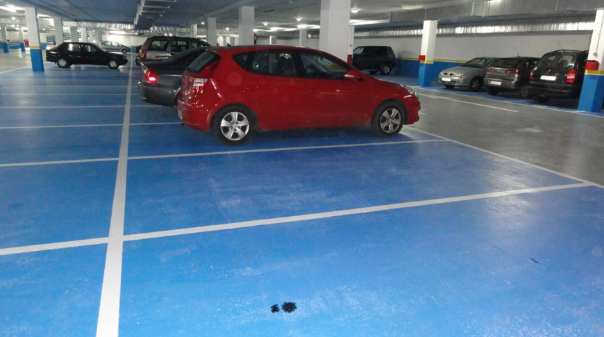 Parking piscinas del Llano plazas2